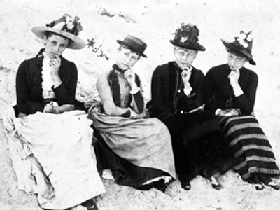 Ladies of Quogue on beach, 1910