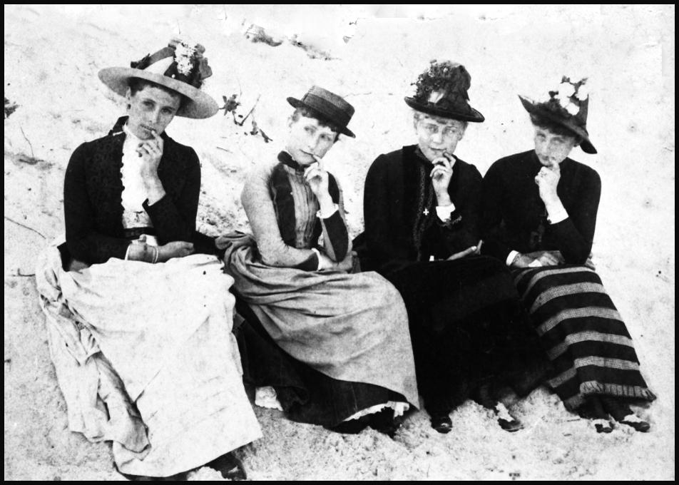 HOMEPAGE Ladies on Beach