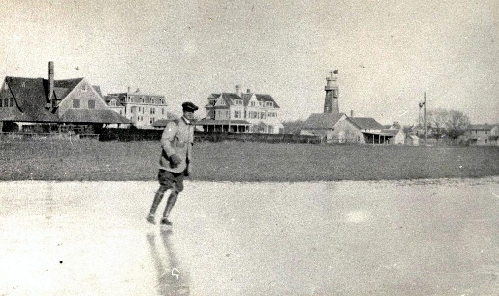 Skating on Ogdne Pond D11
